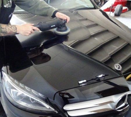 Detailing exterior Mercedes Clase C