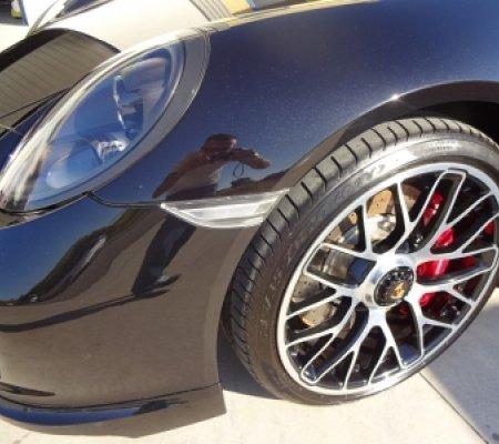 Detailing exterior Porsche 911 Turbo